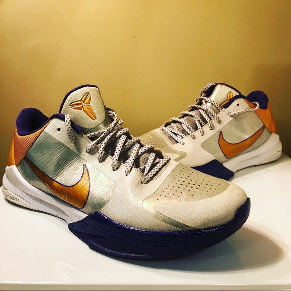 best service 8f6c4 bdc36 Nike Zoom Kobe V5 Home Basketball Shoes